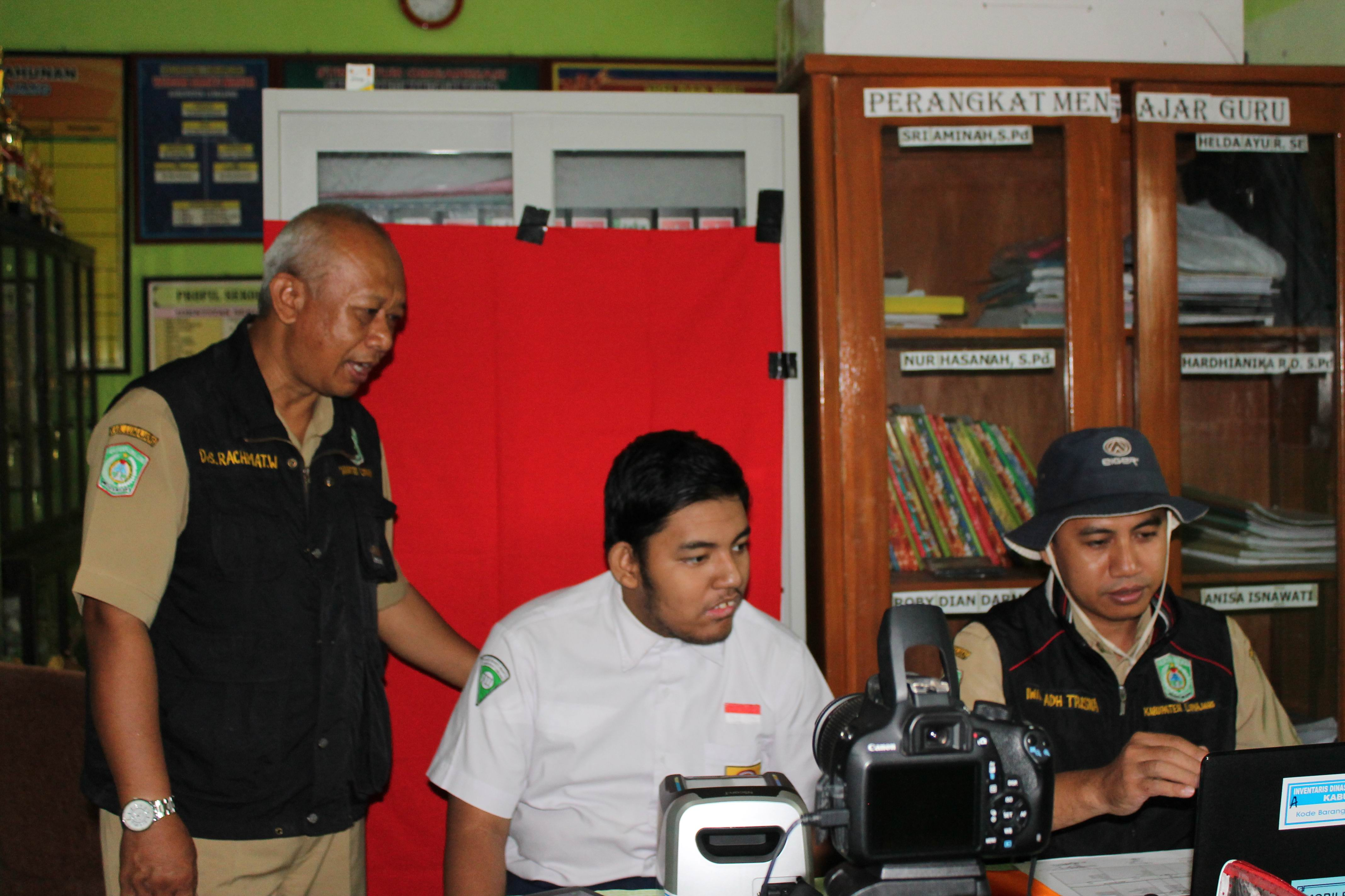 Perekaman KTP-Elektronik di SMALB Bhakti Wanita dan di Yosowilangun