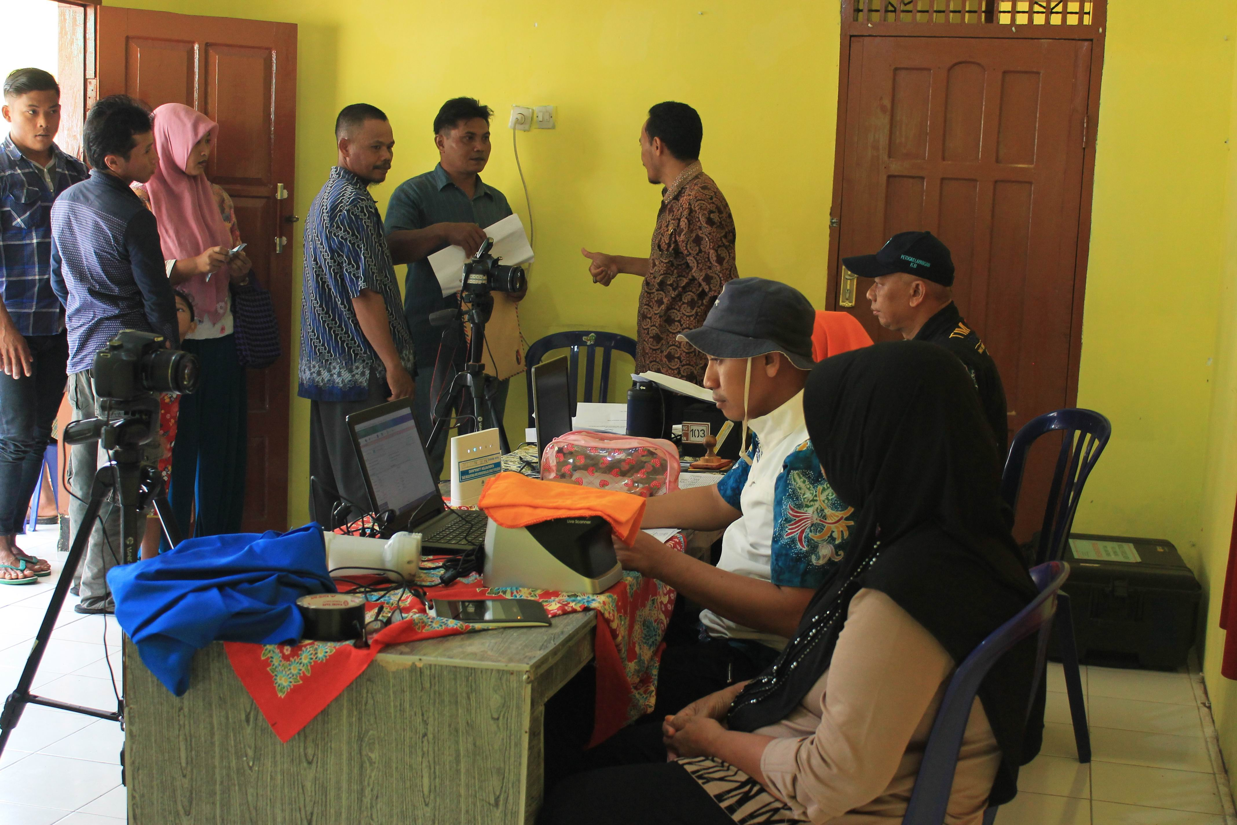 Roadshow Pelayanan Adminduk Hari Ke-4 : Desa  Alun Alun Kecamatan Ranuyoso