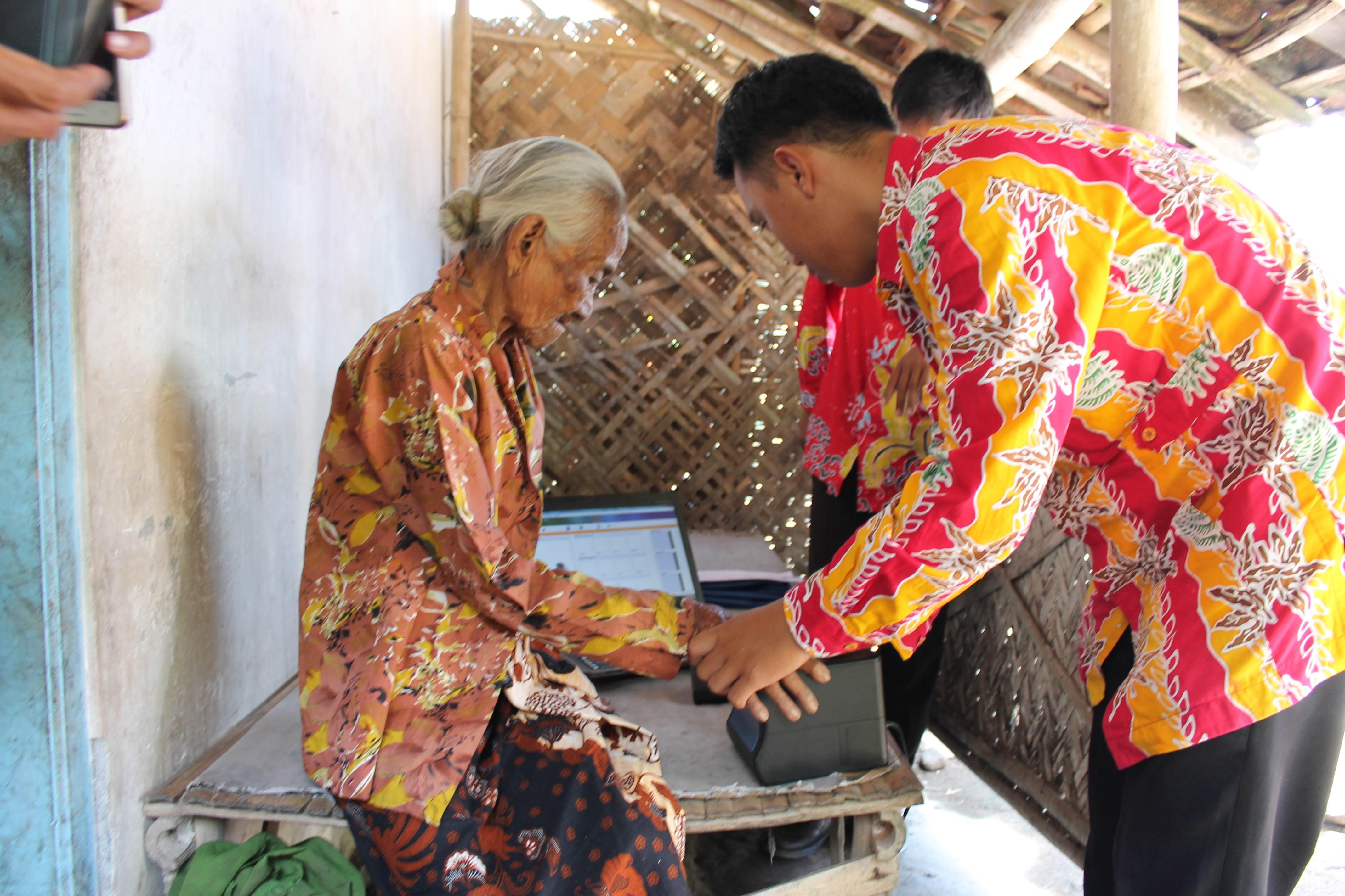 Perekaman KTP-el di Desa Kraton Kec. Yosowilangun