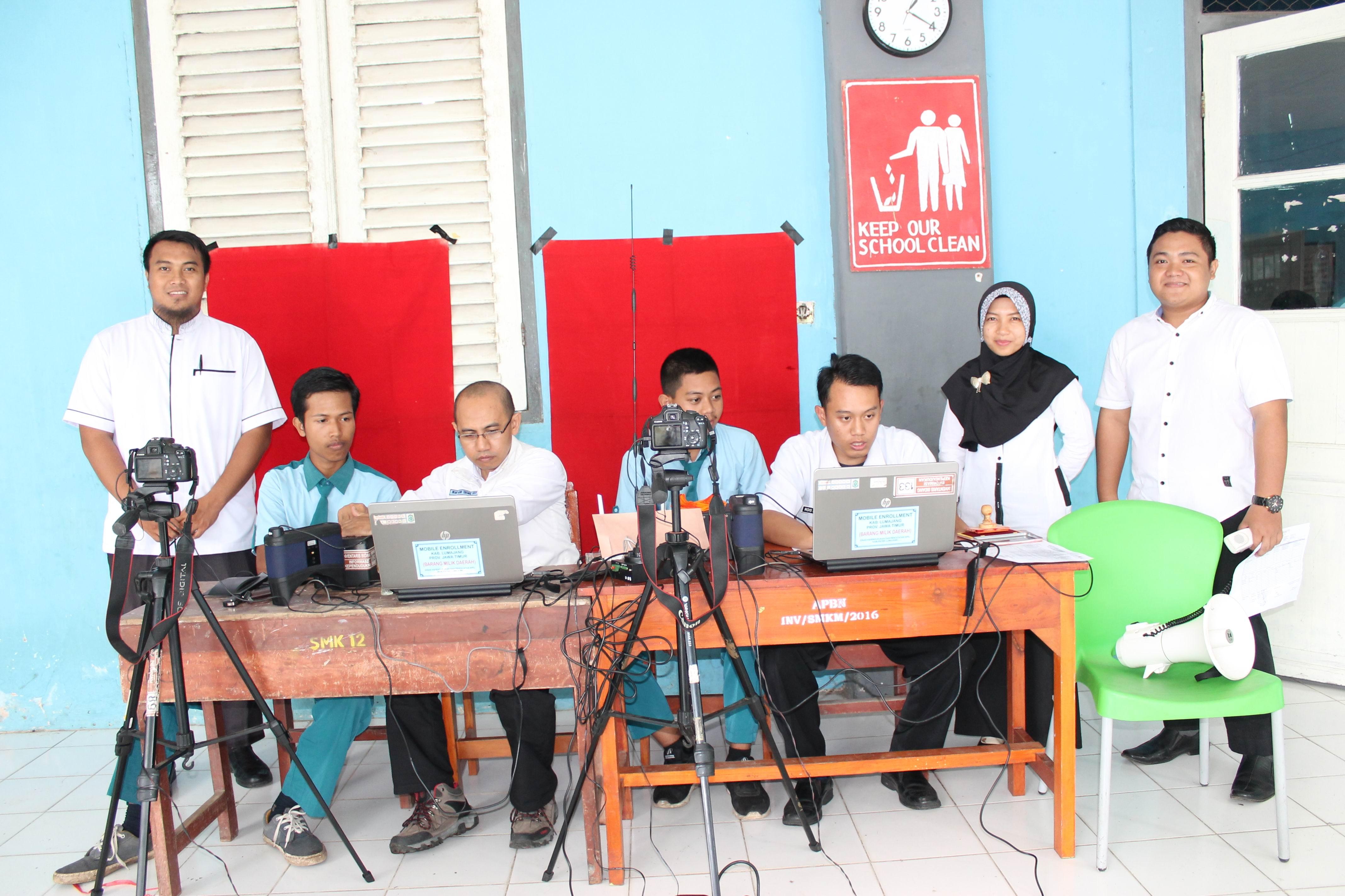 Perekaman KTP-Elektronik di SMK Muhammadiyah Jatiroto